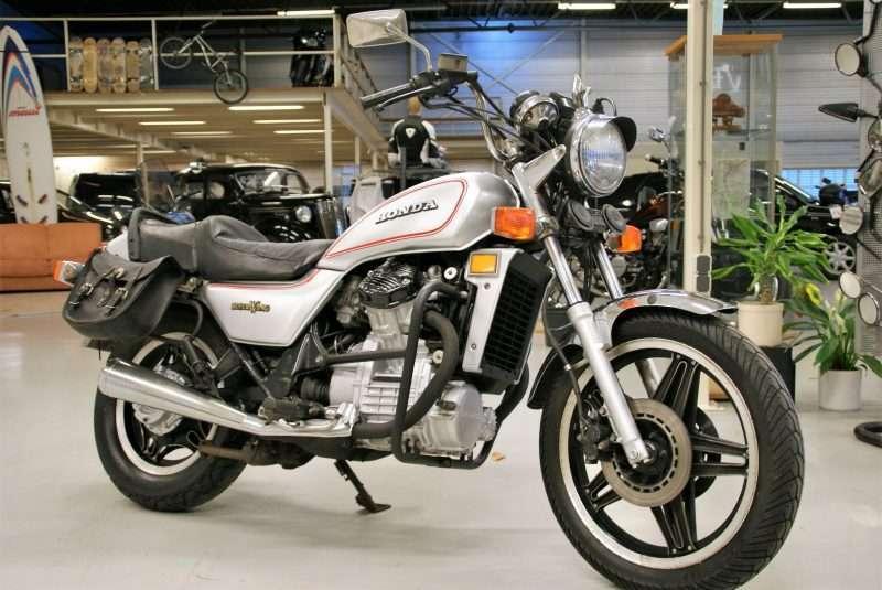 Honda Silverwing tweedehands motor kopen