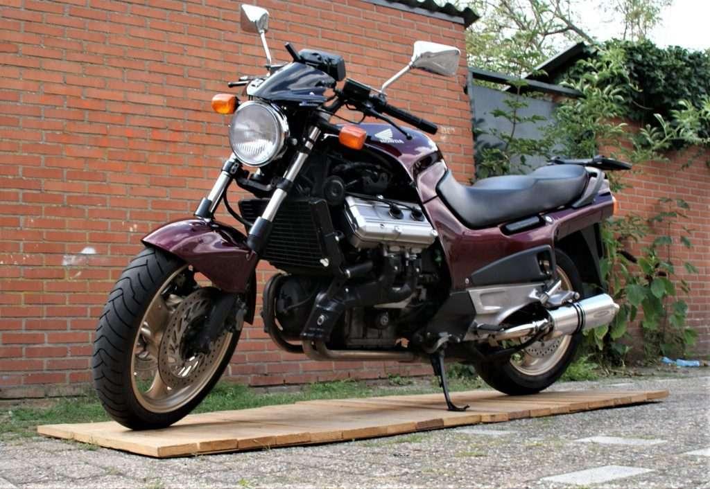 Honda ST 1100 Pan European Naked Bike tweedehands motor kopen