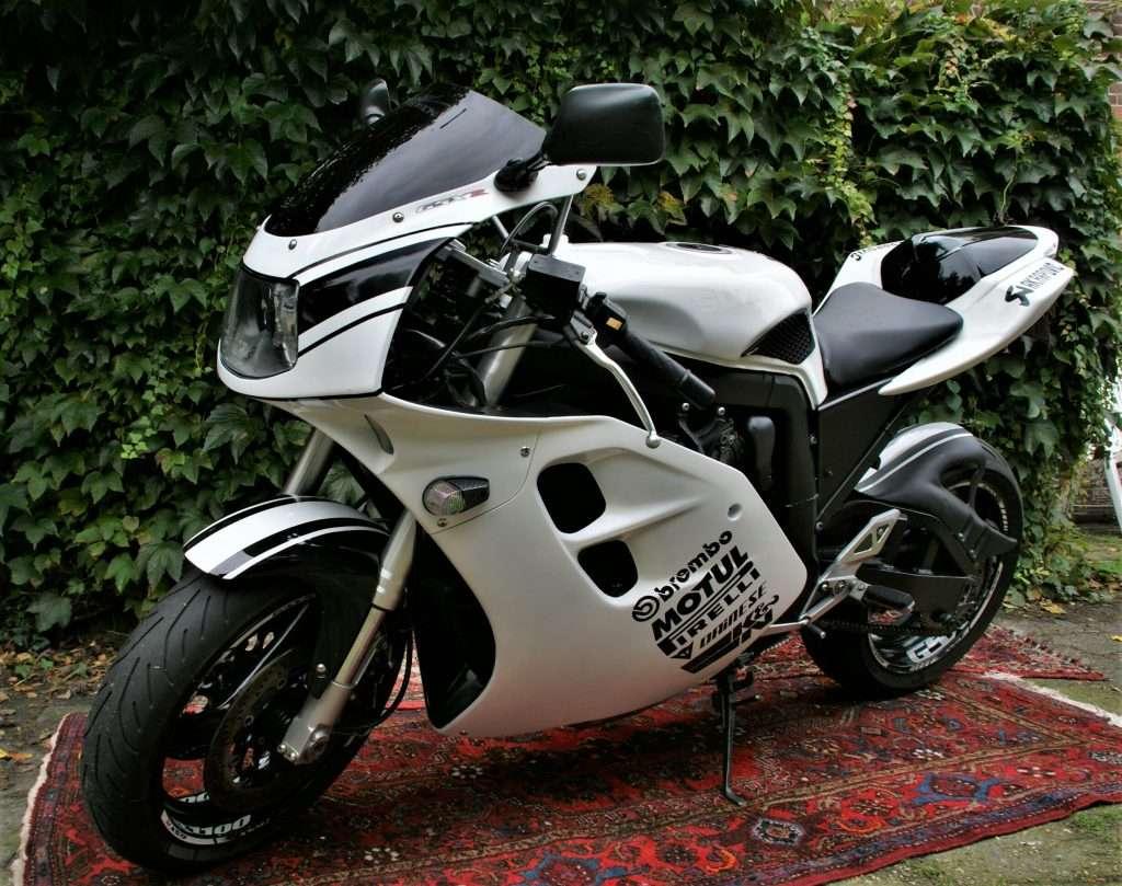 Suzuki GSX-R1100W tweedehands motor kopen